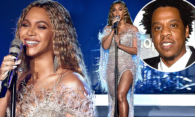 Beyonce Looks Glamorous At Star-Studded Charity Gala